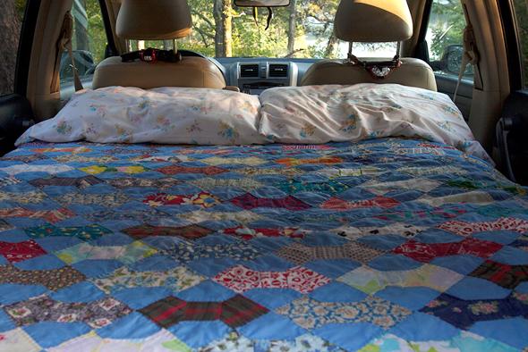 bed-car-camper-2