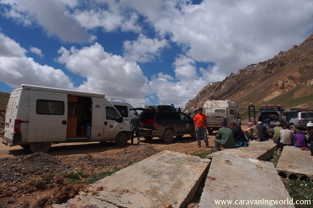 Górska granica z Kirgistanu z Chinami