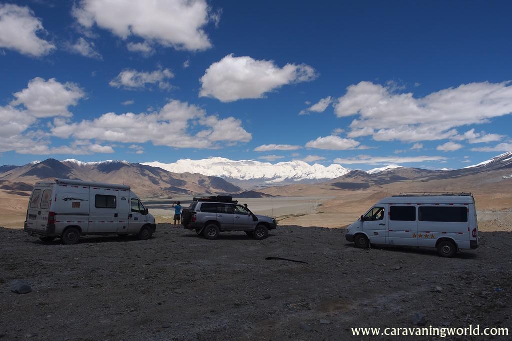 Karakorum Highway - widok na Płaskowyż Pamirski