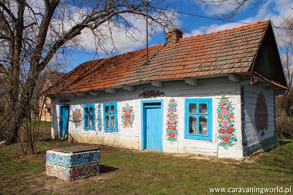 Stara malowana chata w Zalipiu