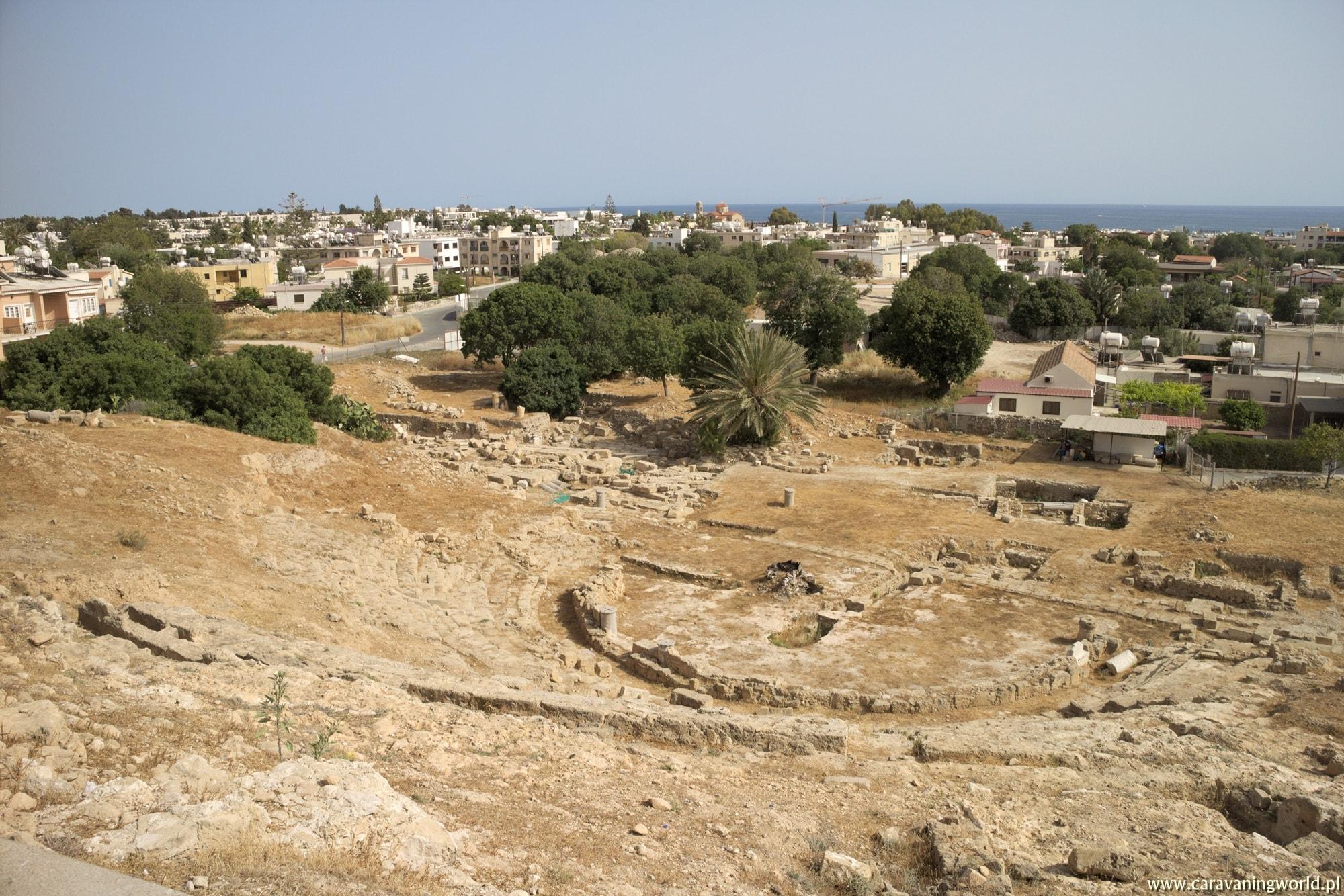 Mozaiki nie tylko w Pafos i wodospady pełne kotów