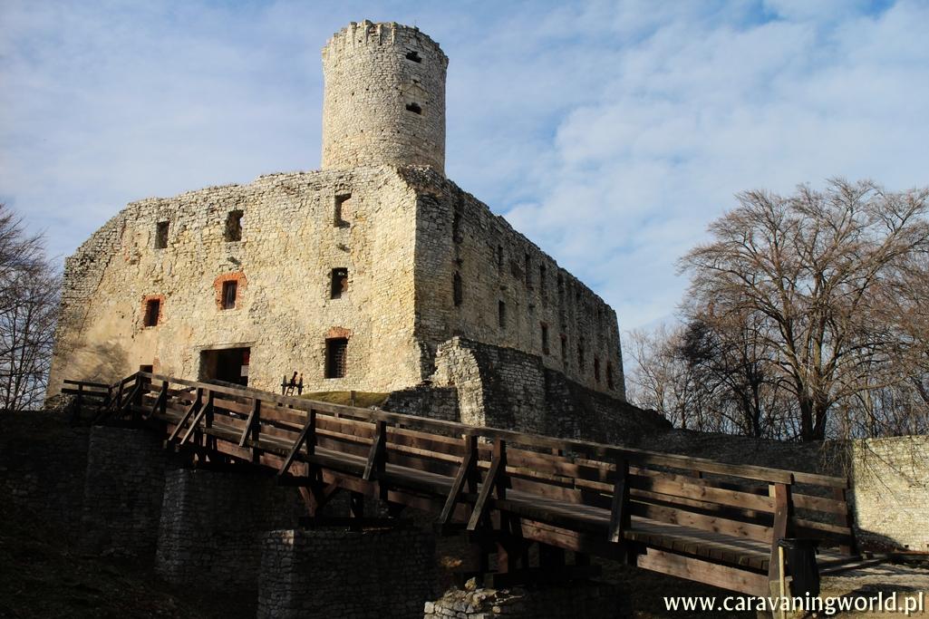 Zamek Lipowiec i Muzeum Nadwiślański Park Etnograficzny