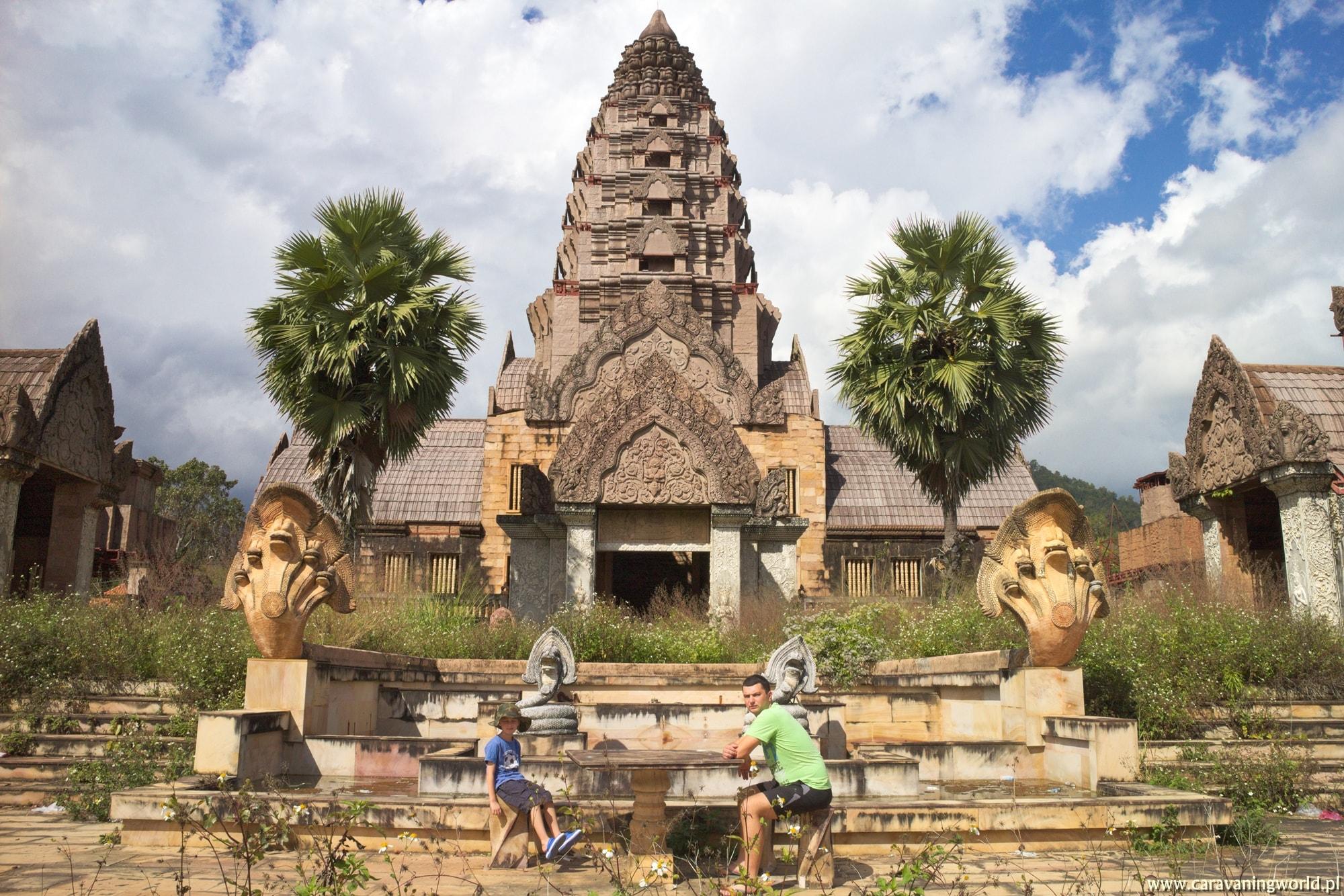 Budowla w Hotspring Thaweesin Chiang Rai