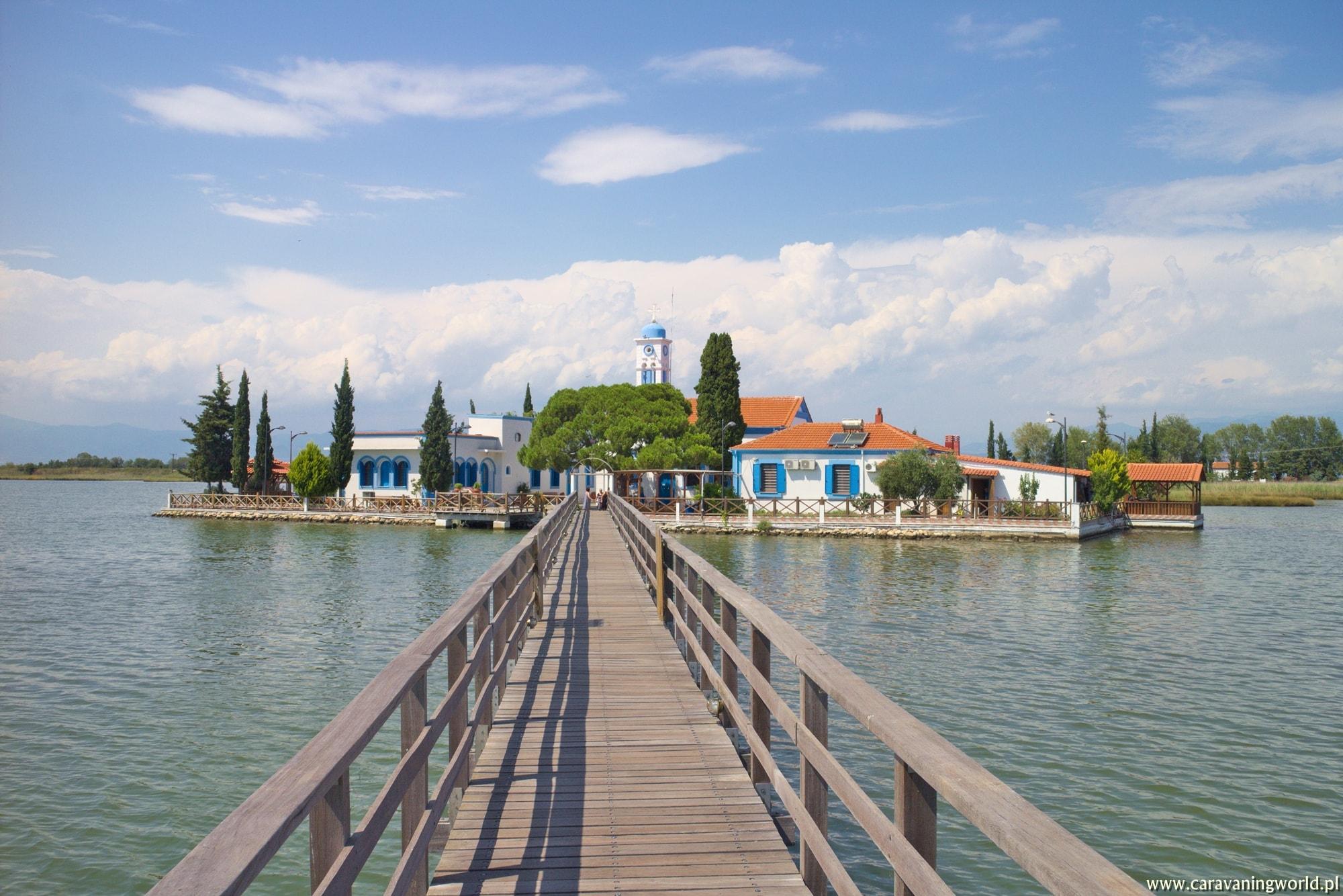 Kościółki na wodzie