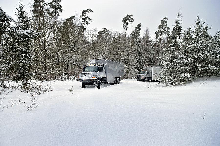 Mercedes-Zetros-Wohnmobil-f900x600-F4F4F2-C-24f130b5-470487