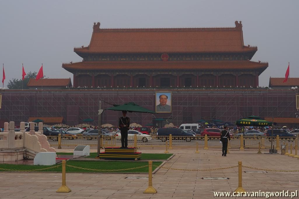 Widok na zakazane Miasto w Pekinie i smog