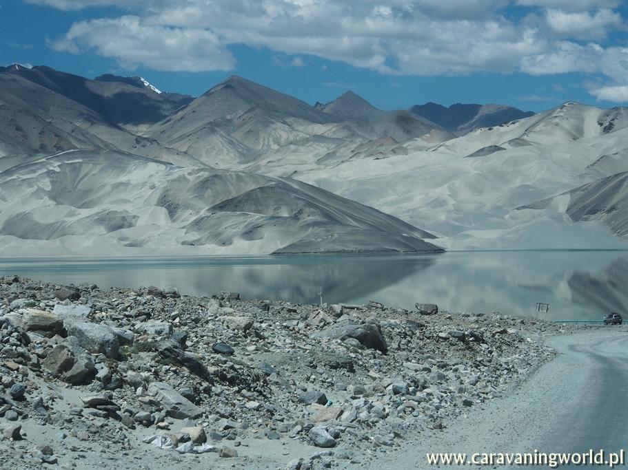 Widok z Karakorum Highway
