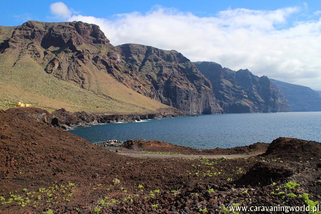 Widok na Los Gigantes z półwyspu Punta de Teno