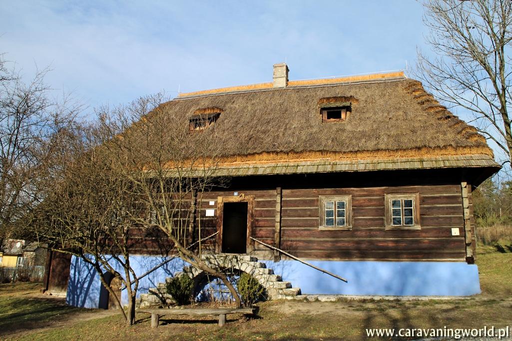 Chata sołtysa w Skansenie Nadwiślańskiego Parku Etnograficznego