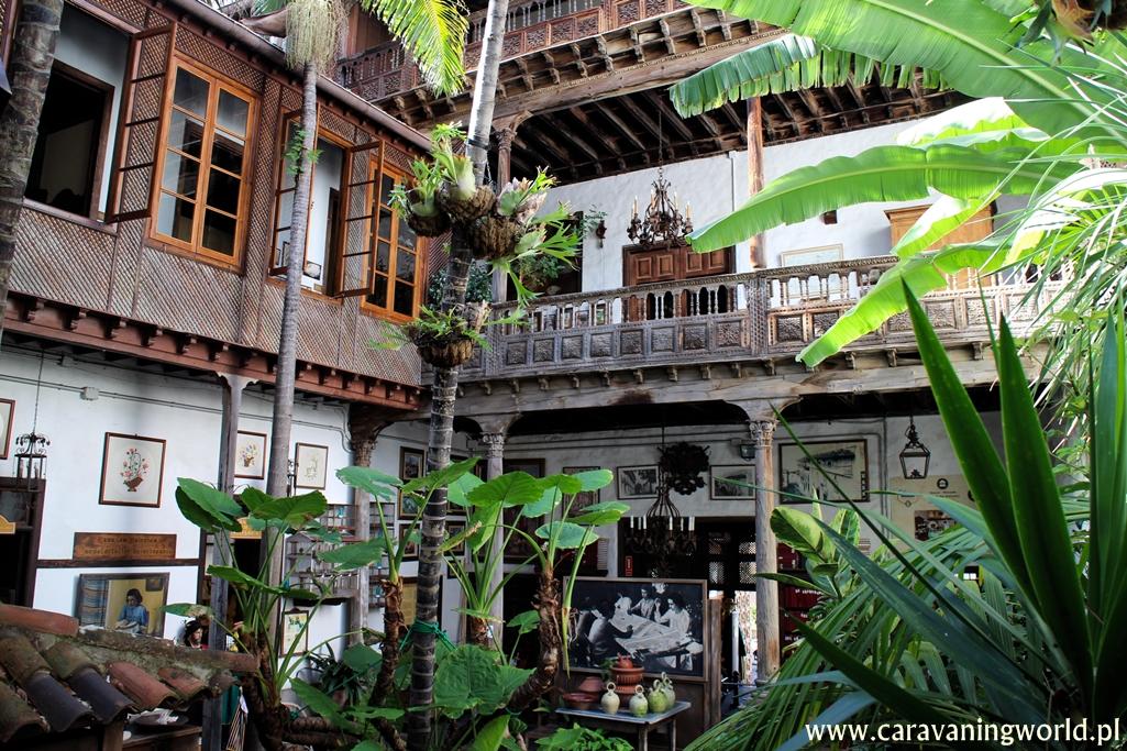 Patio Casa de los Balcones