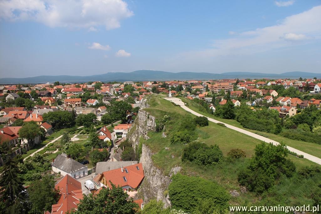 Widok ze Wzgórza Zamkowego w Veszprém