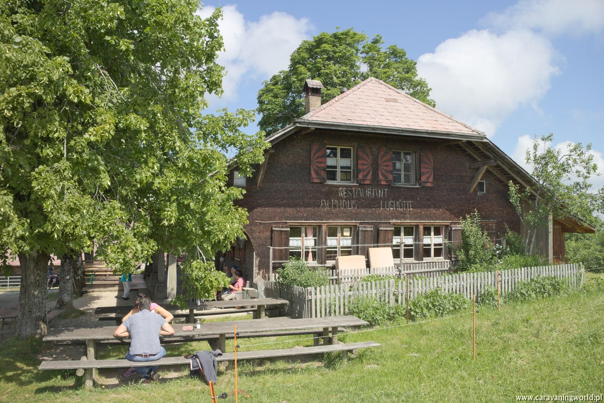 Restauracja Lushuette - w połowie drogi na Napf