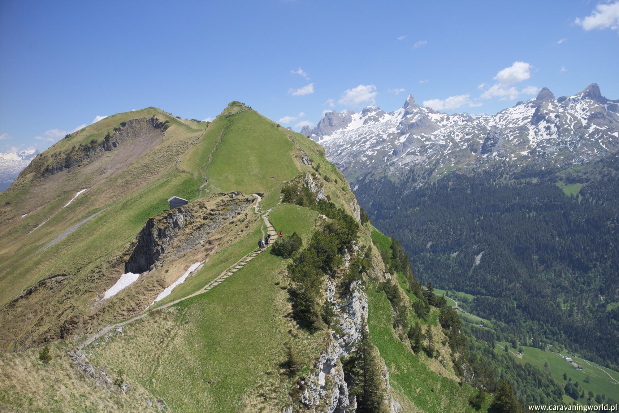 Szlak granią z Klingenstock na Fronalpstock